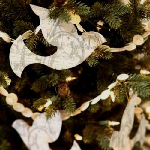 Новогодние  елочные  украшения  из  бумаги  Domspline.com