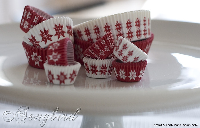 IKEA-Christmas-Red-White-Paper-Kitchen-Baking (700x446, 158Kb)