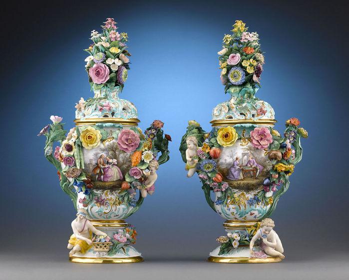 Meissen_Porcelain_Potpourri_Urns_1850 (700x560, 87Kb)