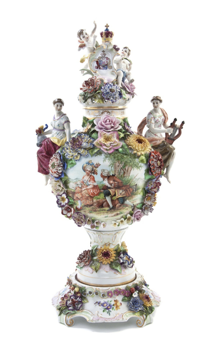 A_Dresden_Porcelain_Figural_Urn_on_Stand (442x700, 188Kb)