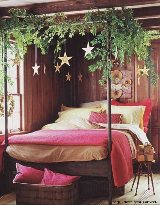 26-inspiring-christmas-bedroom-decorating-ideas (549x700, 269Kb)