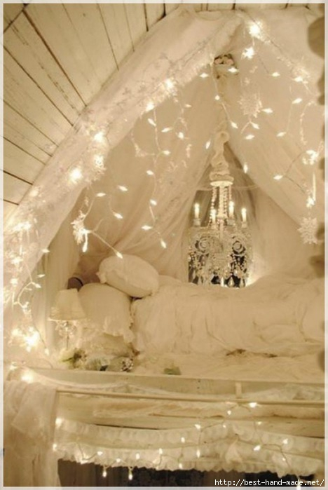 Ideas-Christmas-Decoration-For-Hanging-Lights-In-The-Bedroom-white-light-bedroom-588x878 (468x700, 143Kb)