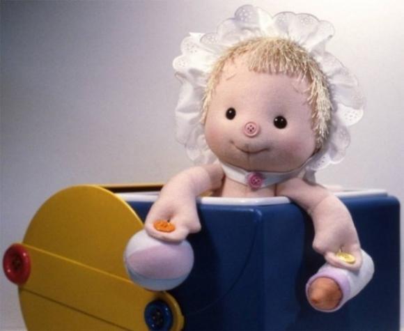 кукла - пуговичный тренажер/1356142068_5 (580x475, 23Kb)