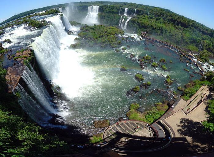 iguazu-falls-tourists-complex (700x515, 209Kb)