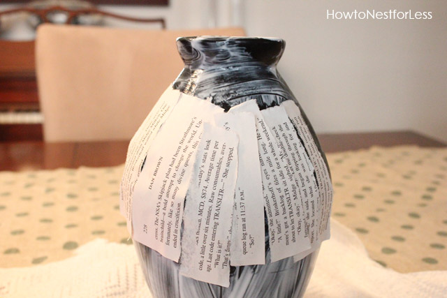 mod-podge-book-pages-vase (640x427, 84Kb)