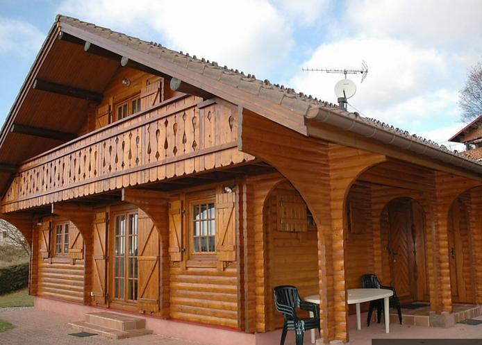 Балкон ў драўляным доме фота.