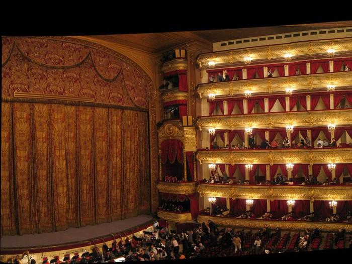 Знакомьтесь-–-Большой-театр (700x525, 121Kb)