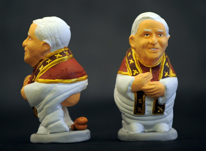 pb-101122-caganer-pope-whalen.photoblog900 (700x514, 228Kb)