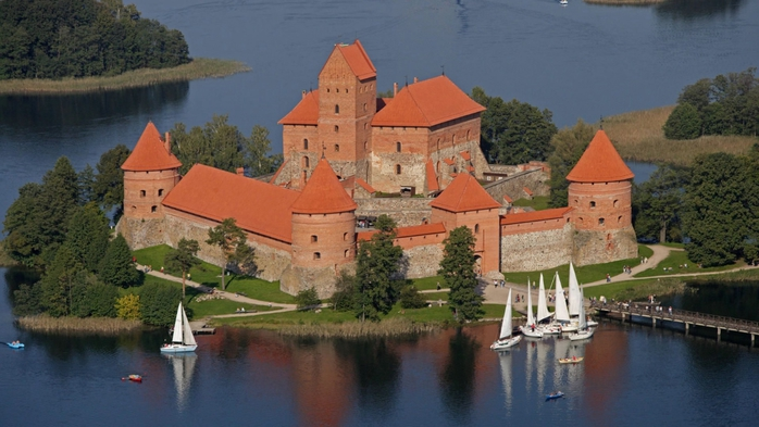 things_to_see_in_lithuania_trakai_castle (700x393, 218Kb)