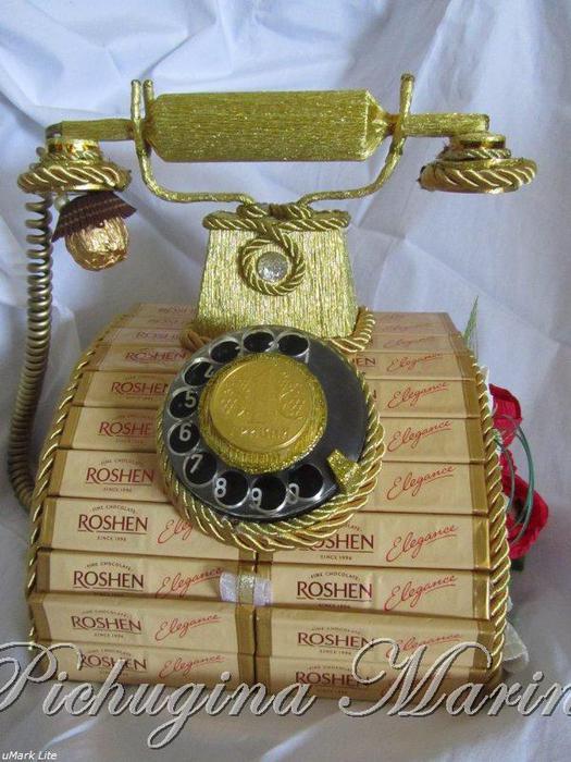 Телефон из конфет своими руками 51