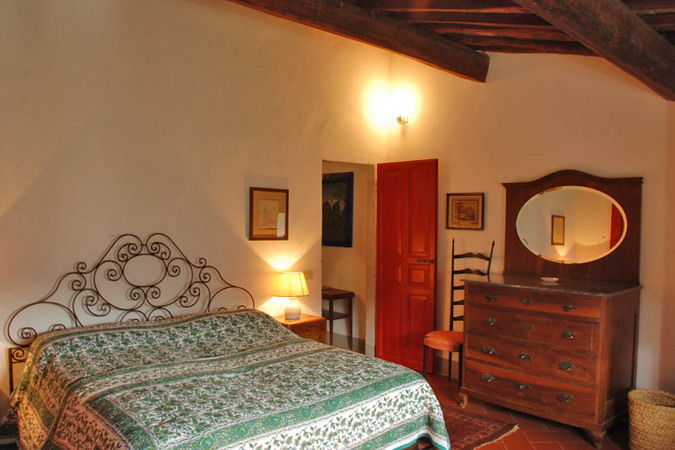 4497432_italiantraditionalbedroomsdetails15 (675x450, 81Kb)