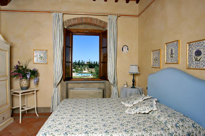 4497432_italiantraditionalbedroomscolor21 (675x450, 93Kb)