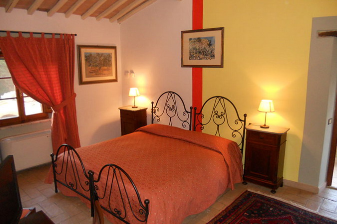 4497432_italiantraditionalbedroomscolor43 (675x450, 77Kb)