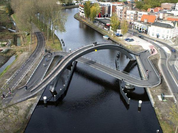 Мост Мелькевек в Нидерландах