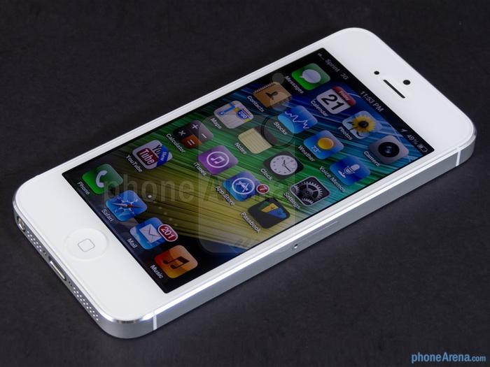 3821971_AppleiPhone5Review07jpg (700x525, 234Kb)