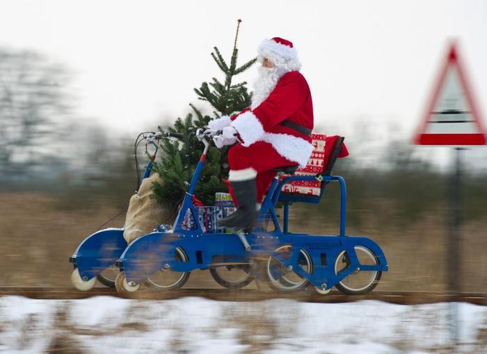 На чем едет Дед Мороз?