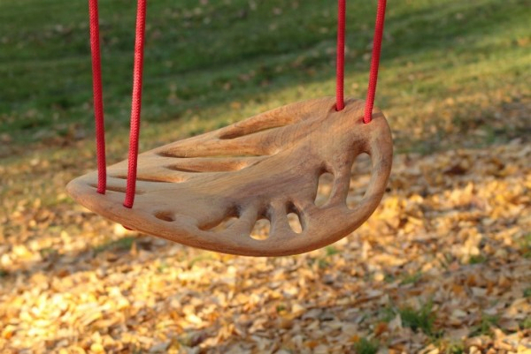 3925073_enessentia_Leaf_swing_1 (600x401, 236Kb)