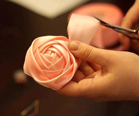 Роза из атласной ленты своими руками/4683827_20121215_205217 (481x400, 122Kb)