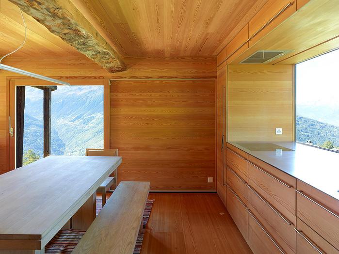 трухлявый дом фото 4 (700x524, 182Kb)