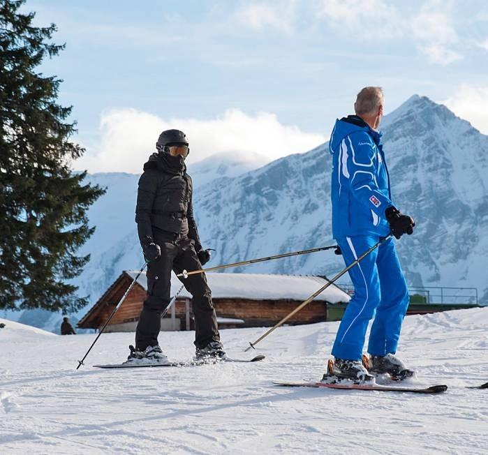 20121231-pictures-madonna-gstaad-skiing-switzerland-02 (699x652, 127Kb)