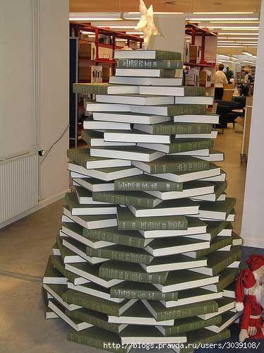 елка из книг (374x500, 101Kb)
