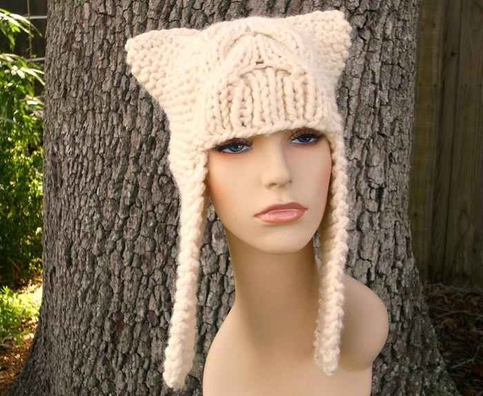 Приятного всем творчества!  Посмотреть большую подборку шапок с ушками можно в статье.