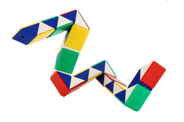 магический кубик-змейка.