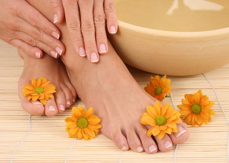 4080226_manicureandpedicure2 (450x320, 72Kb)
