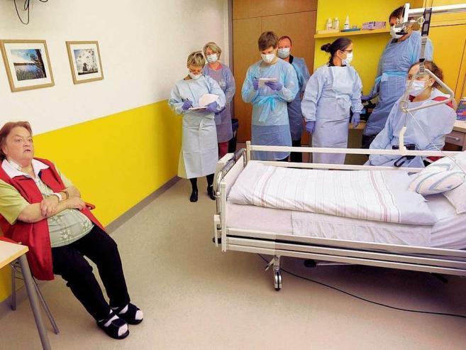 Врачи удалили пациентки опухоль в 28 кг. 64362