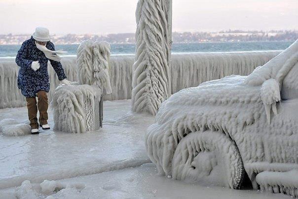 На заледеневшем берегу Женевского озера, Версуа, Швейцария (604x403, 40Kb)