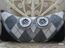 Подушки из свитеров (11) (220x165, 12Kb)