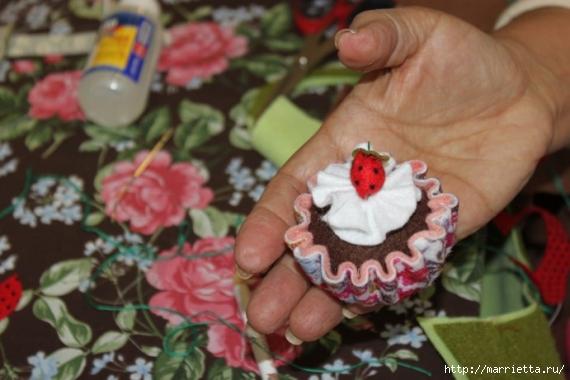 cupcake-de-feltro-passo-a-passo-7886495-166 (570x380, 150Kb)