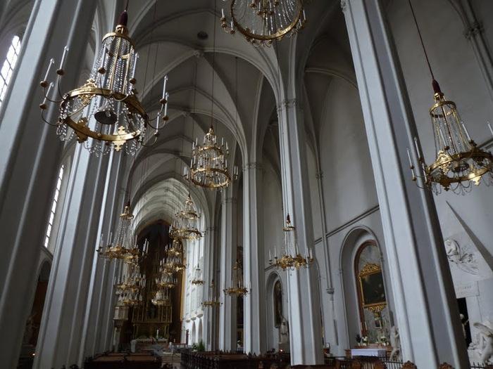 30087 Augustinian Church Hofburg Palace Vienna (700x525, 133Kb)