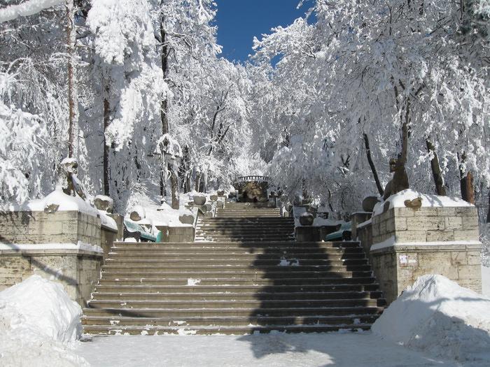 Вход в Курортный парк Железноводска зимой/1357584060_IMG_0958 (700x525, 225Kb)
