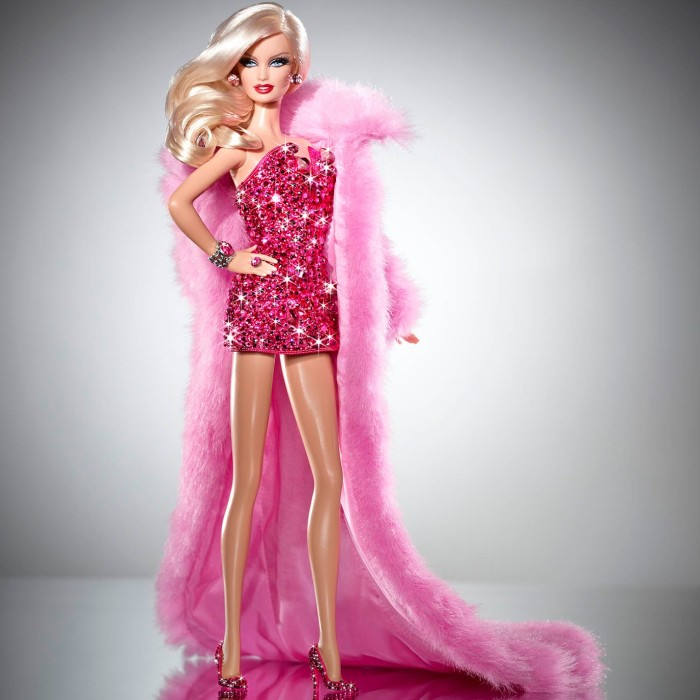 barbie-doll-in-pink-drees-wallpaper (700x700, 76Kb)