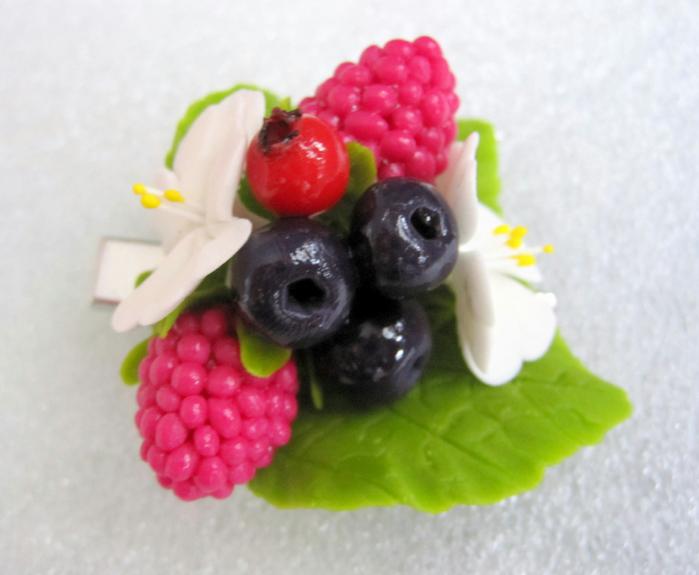 Заколка Лесные ягоды 1 (700x575, 339Kb)