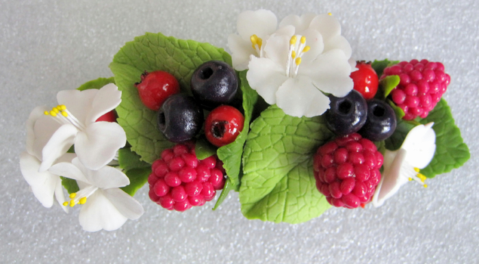 Заколка Лесные ягоды 7 (700x386, 293Kb)