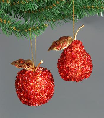 Вдохновляемся на яблочки выполненные из бисера разных мастеров.