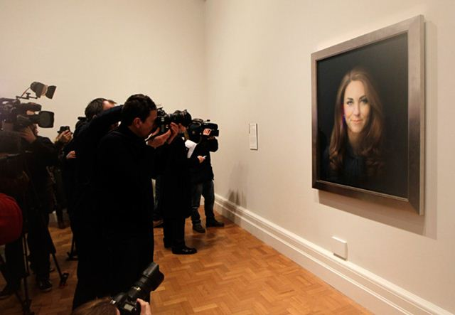 kate middleton official portrait2 (640x443, 28Kb)