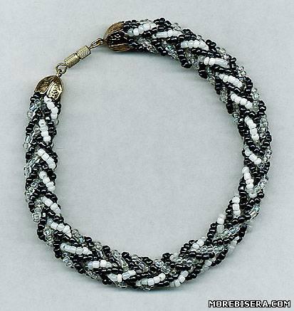 Как сплести из бисера ожерелье