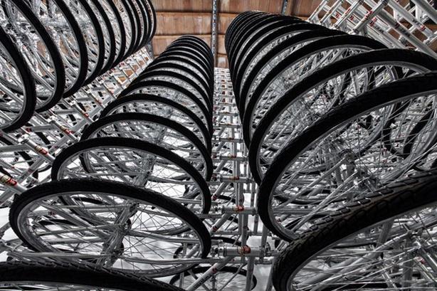 Велосипедная инсталляция Stacked