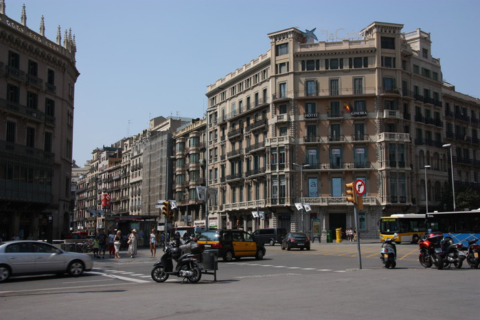 Spain-Barcelona-2012-Barcelona-2012-Изображение 037 (700x466, 107Kb)