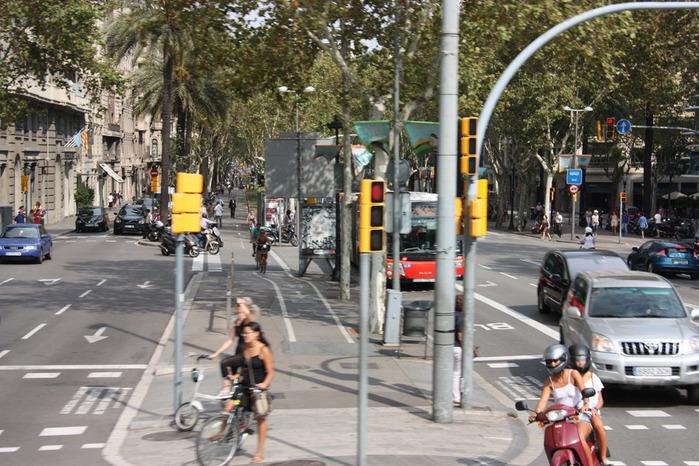 Spain-Barcelona-Avenida Diagonal-2012-Изображение 722 (700x466, 152Kb)
