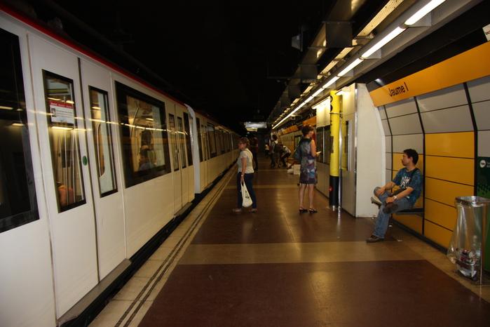 Spain-Barcelona-metro-2012-Изображение 149 (700x466, 188Kb)