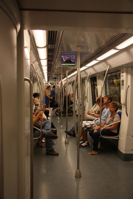 Spain-Barcelona-metro-2012-Изображение 153 (466x700, 86Kb)