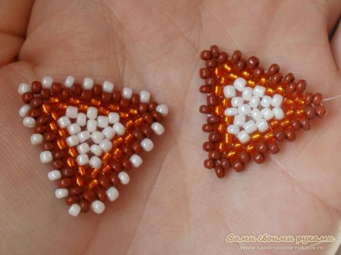 Как сделать серьги Треугольники из бисера - мастер класс.