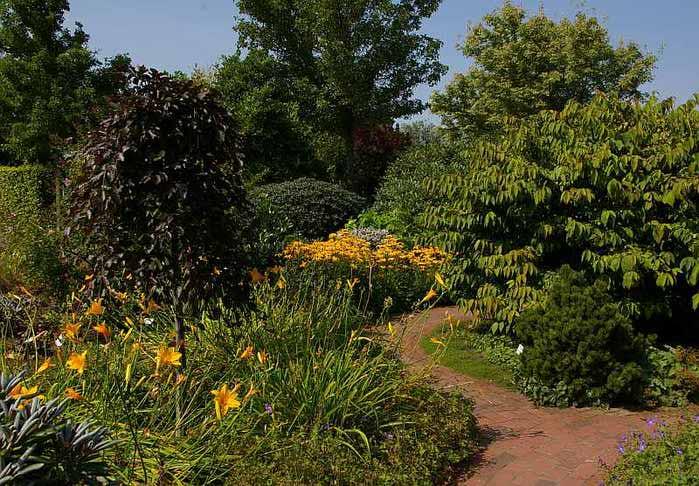 Бад Цвишенан : Park der Garten 20493