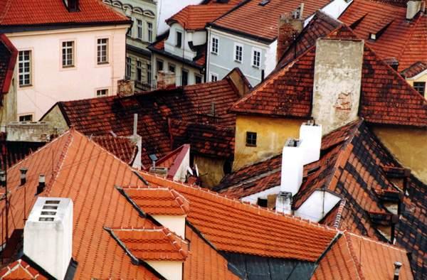 Чтобы крыша не текла.  Многие из нас сталкивались с такой проблемой, как течь в крыше.  Это одно из самых.