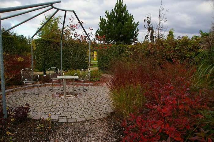 Бад Цвишенан : Park der Garten 49280