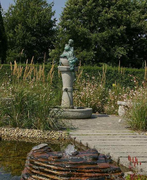 Бад Цвишенан : Park der Garten 57092